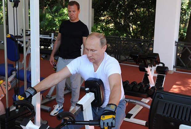 О чем Владимир Владимирович и Дмитрий Анатольевич спортом занимались?