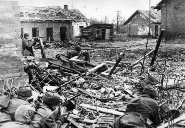 Борьба с реабилитацией нацизма: пора открывать новые фронты