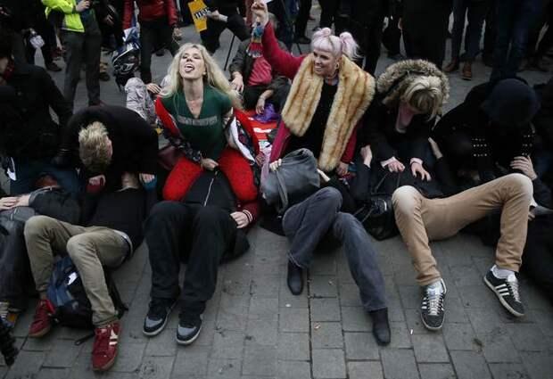 Англичане взбунтовались: старейший в мире парламент хочет запретить прон!