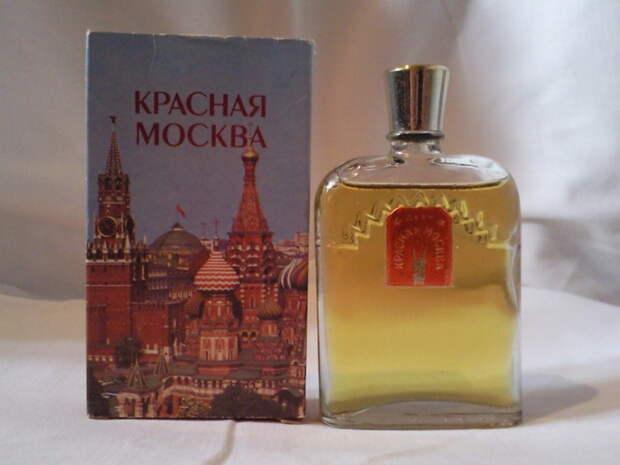 Флакон духов 'Красная Москва'