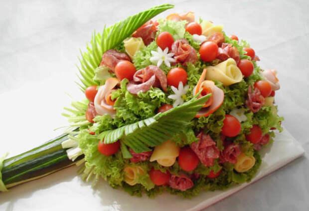 Праздничное оформление блюд на 8 марта: лучшие идеи