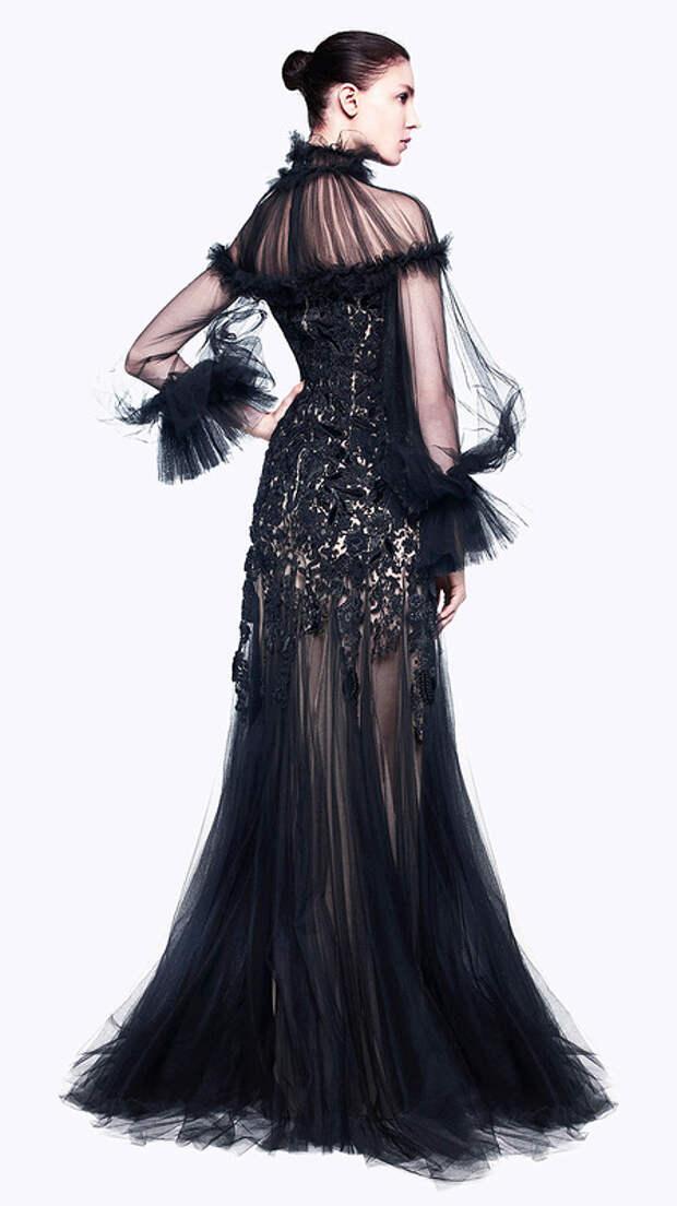 Дизайнер мира моды Alexander McQueen. Платья