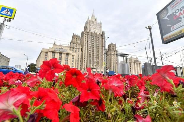 Замгоссекретаря США в Москве накормили щами
