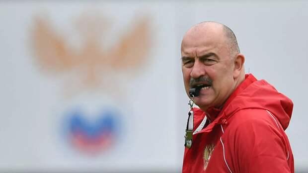 Черчесов не видит проблемы в игре против Дании без российских болельщиков