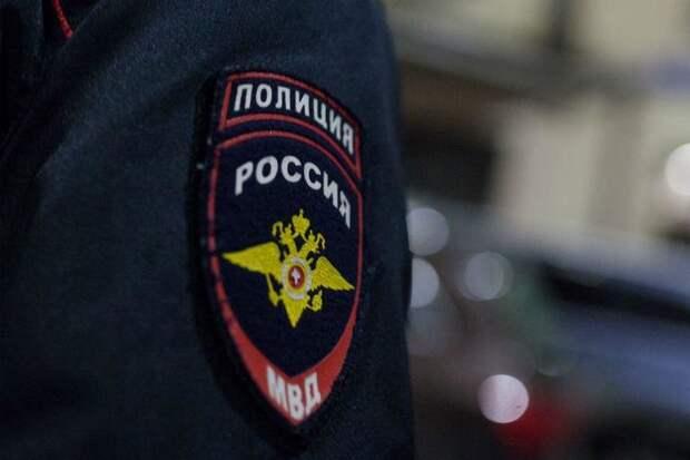 Полицейские северо-запада столицы задержали подозреваемого в краже денежных средств у пенсионера