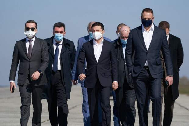 Крюкова заявила, что для Зеленского история с масками из Китая обернется падением рейтинга
