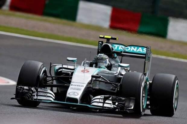 Обладатель поул-позиции в Гран-при Японии Нико Росберг (Mercedes)
