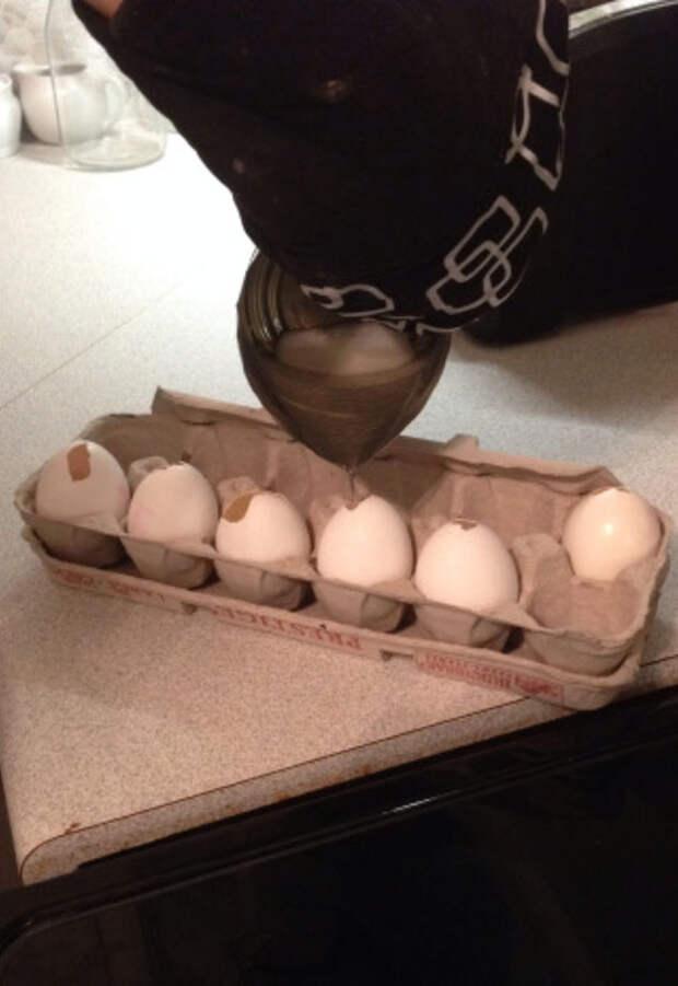 Рукодельница показала мастер класс идеи для декора из яичной скорлупы