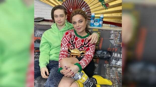 Наташа Королёва объяснила, почему у Архипа - гнездо на чердаке, а не свое жильё