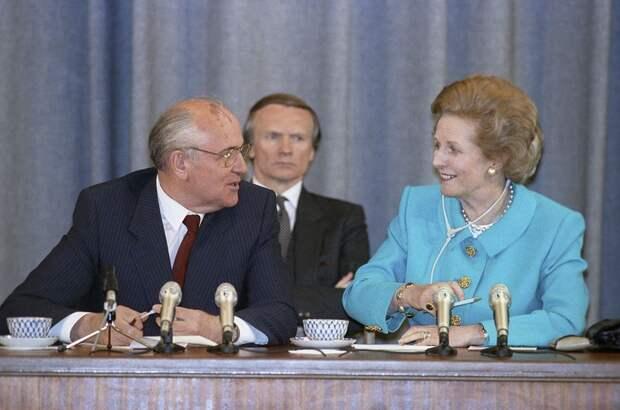 1990 Совместная пресс-конференция Маргарет Тэтчер и Михаила Горбачева в Москве, РИА Новости.jpg