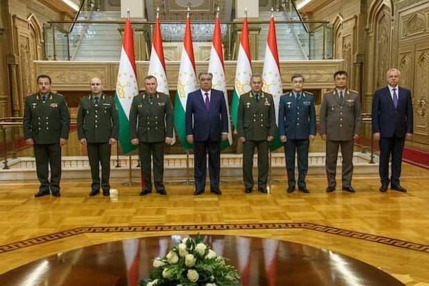 Шойгу показал решимость РФ не дать превратить Центральную Азию в сплошной Афганистан