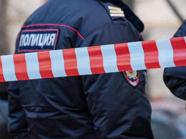 Москвич жил с трупом жены, а расплодившихся мух собирал в пакеты