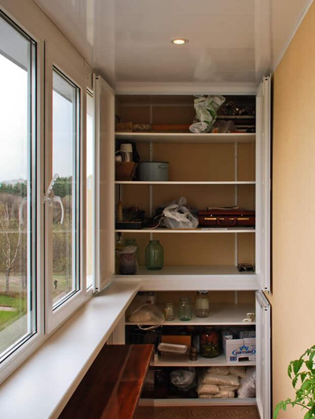 На заметку: 10 любопытных систем хранения вещей на балконе