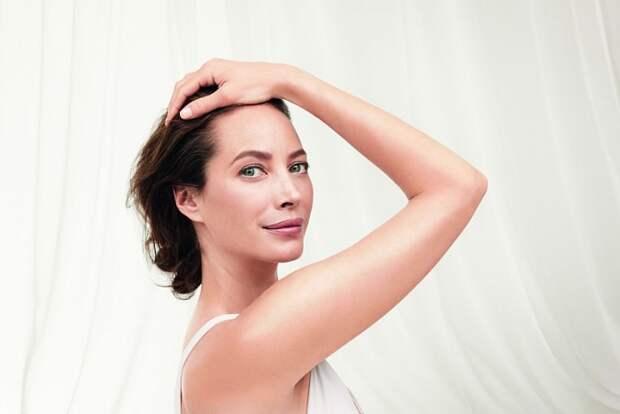 «Йога — это не о том, чтобы прилечь на коврик». История самой красивой женщины в мире