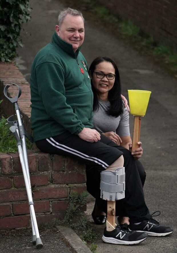 Новая нога своими руками: женщина сделала мужу протез из подручных материалов