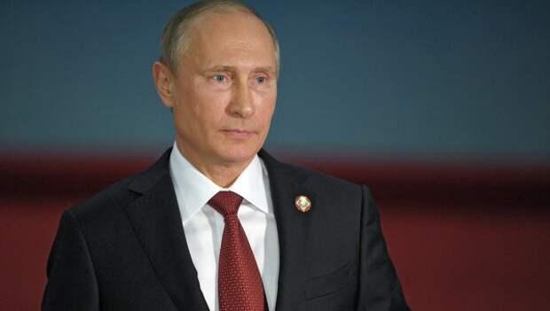 Путин поздравил Южную Осетию с Днем независимости