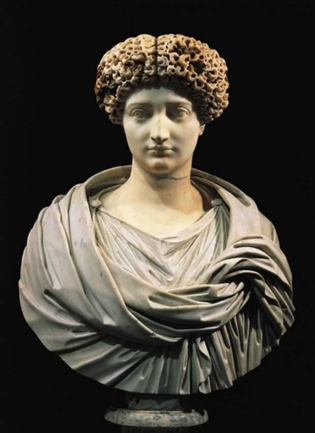 Красота, семья, интриги: 7 малоизвестных фактов о женщинах Великой Римской Империи