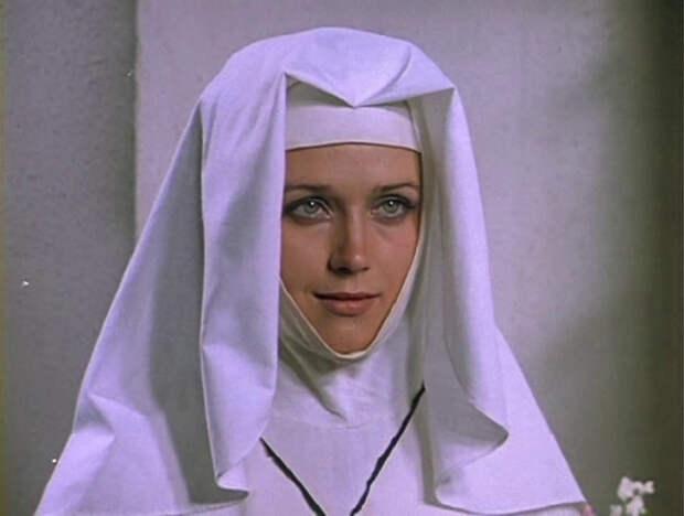 Самые красивые монашки мирового кино.