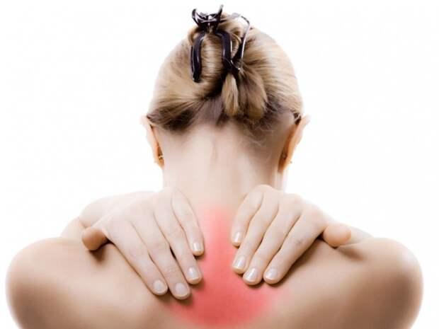 Боль под лопаткой: 6 возможных причин