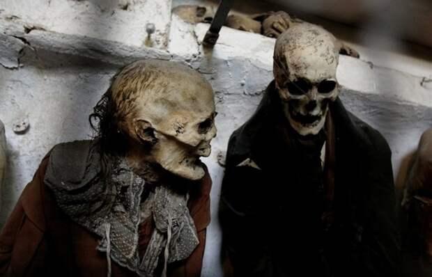 Страшнее хоррора: катакомбы капуцинов - тысячи мумий в одном месте
