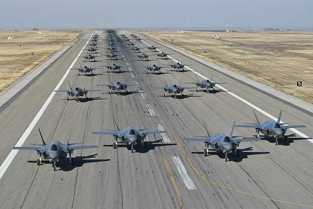 Британский генерал: Истребители F-35B разоряют армию королевства