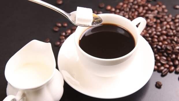 Диетолог отнесла кофе и конфеты к разрушающим организм продуктам