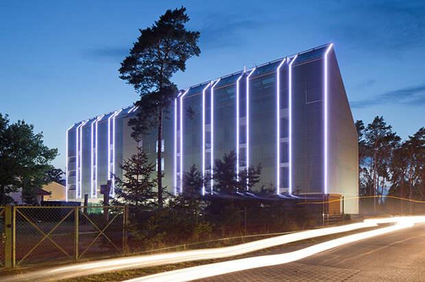 Отель в Польше в форме волны