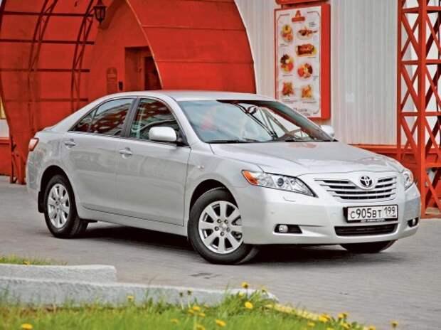 Toyota Camry V40: невеста по расчету