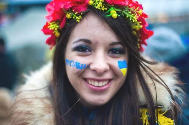 Живущие на Западной Украине массово переходят на запрещенное российское ТВ