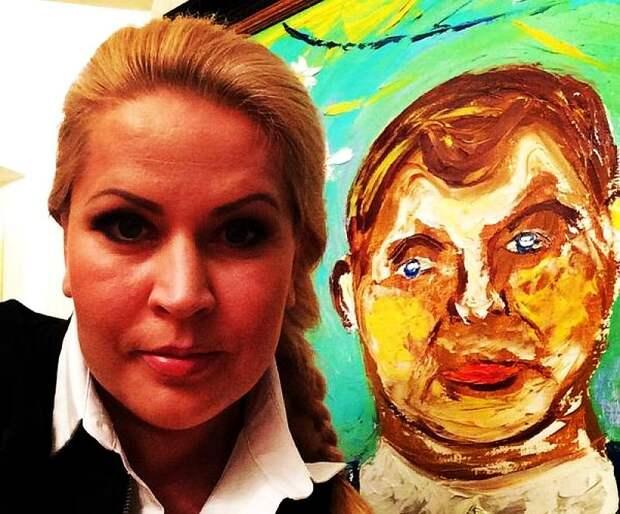 Браво !: Академик Евгения Васильева устраивает выставку в музее в центре Москвы !