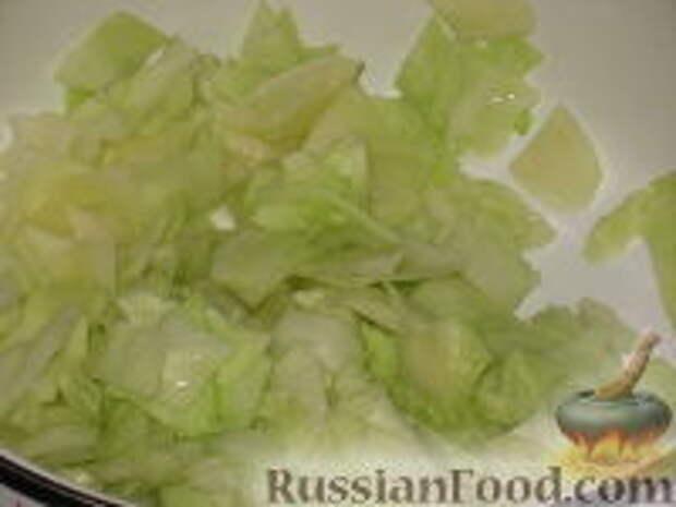 Фото приготовления рецепта: Восточный салат из капусты - шаг №7