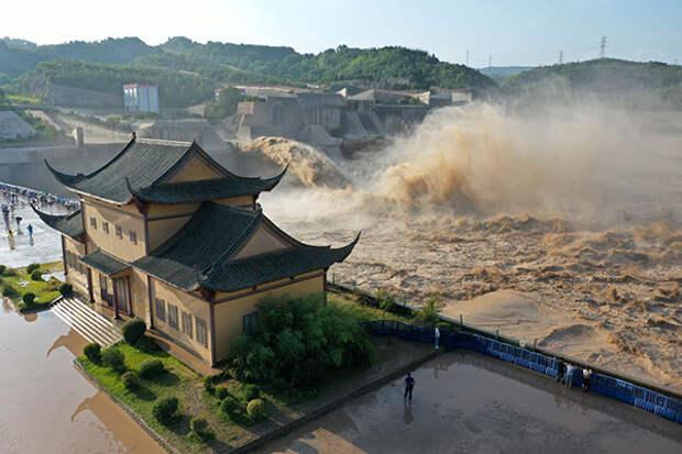 Госбанк развития КНР выделил деньги на борьбу с наводнениями
