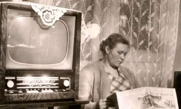 Салфетка нателевизоре: вчем секрет любимого дизайнерского элемента наших бабушек