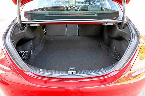 Премиум-седаны D-класса: возвращаем в прайд Jaguar XE (ВИДЕО)