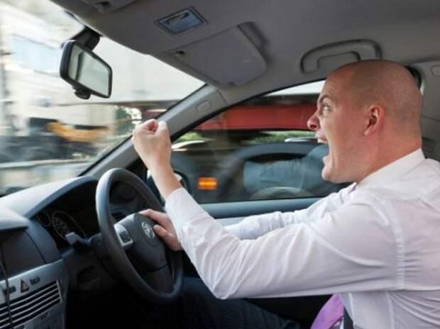 Смартфоны укажут водителям на их агрессивное поведение