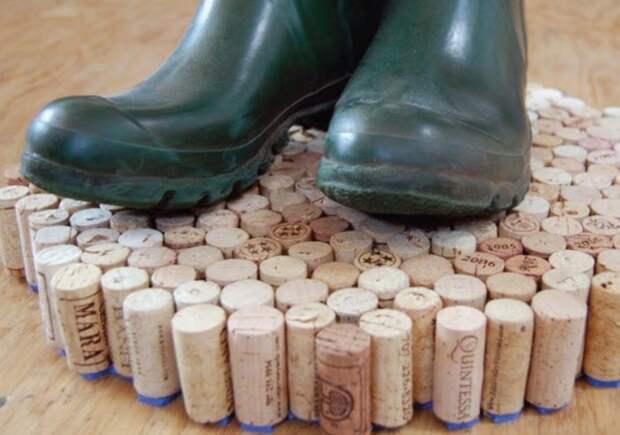Пробочный материал хорошо впитывает влагу / Фото: lh6.googleusercontent.com