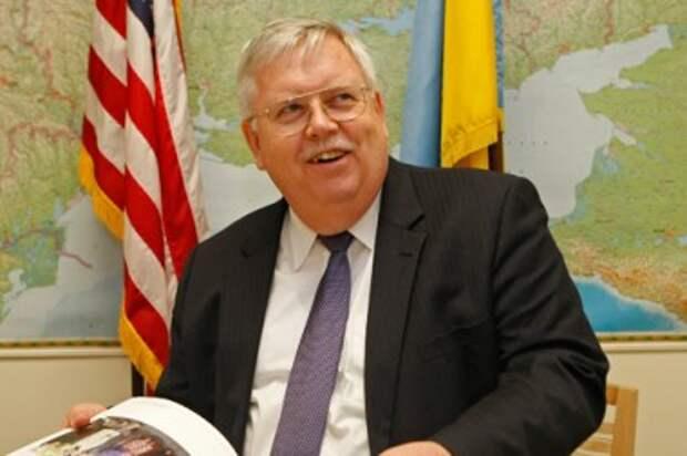 Посол США в Москве Джон Теффт назвал новое условие отмены санкций