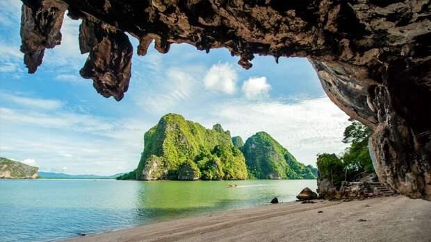 https://v-thailand.com/wp-content/uploads/2016/09/james-bond-island-5.jpg