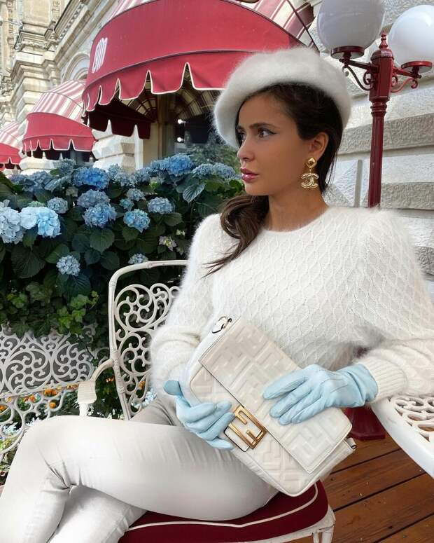 11 идей как носить модный цвет Тофу, чтобы стать иконой стиля нового сезона
