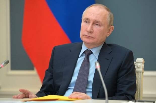 Путин потребовал убрать абсурдные правила в социальной сфере