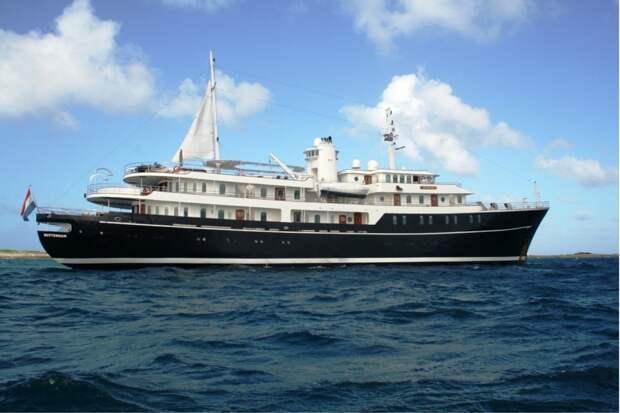 Не «как у людей»: свадебное путешествие на борту яхты