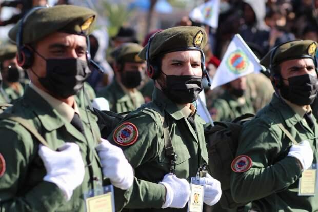 2 парада в Ливии