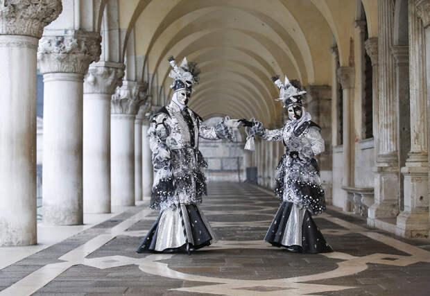 Венецианский карнавал-2016