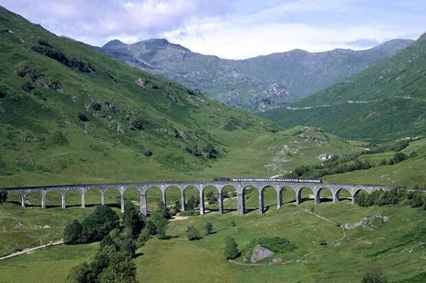 9 самых впечатляющих железнодорожных маршрутов в мире