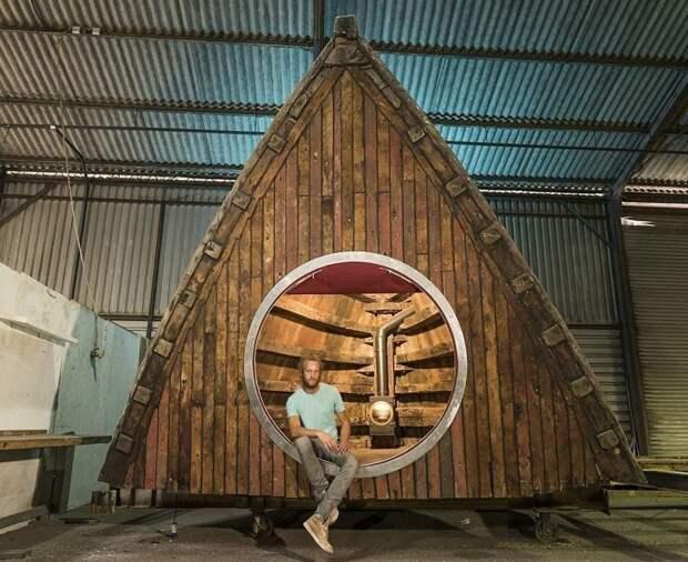 Волшебный сарай Барнаби Дэрсли, построенный из носа рыболовного траулера 1945 года Лучший сарай года, идея, конкурс, сарай, строитель, финалист, фото