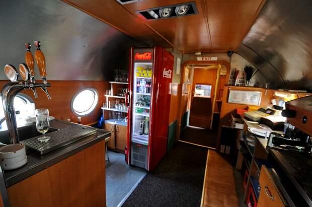 Бар самолета-ресторана Ту-104 на границе Германии и Чехии