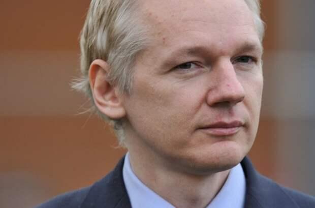 Основатель WikiLeaks: ИГИЛ и конфликт на Украине – дело рук США
