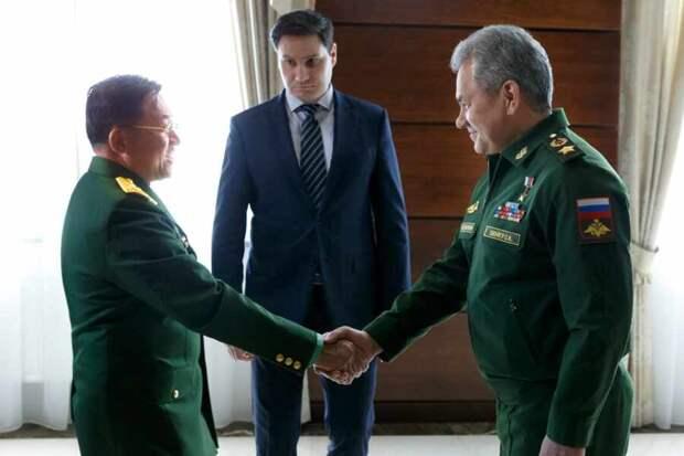 Главком ВС Мьянмы отправился в Россию на конференцию по безопасности