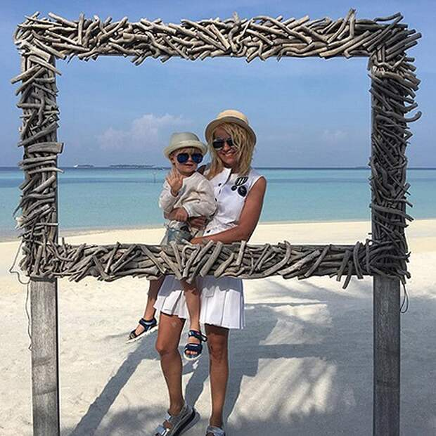 Яна Рудковская с сыном