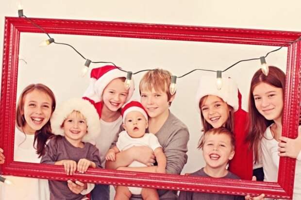 15 оригинальных идей для новогодней семейной фотосессии